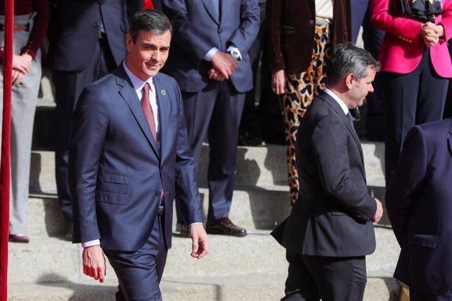 El presidente del Gobierno, Pedro Sánchez a la salida de la Solemne Sesión de Apertura de la XIV Legislatura en el Congreso de los Diputados, en Madrid (España).