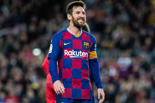 """Fútbol.- Messi responde a Abidal: """"Habría que dar nombres porque si no, se está"""