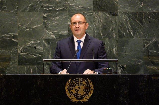 Bulgaria.- El presidente de Bulgaria retira su confianza al Gobierno por su gest
