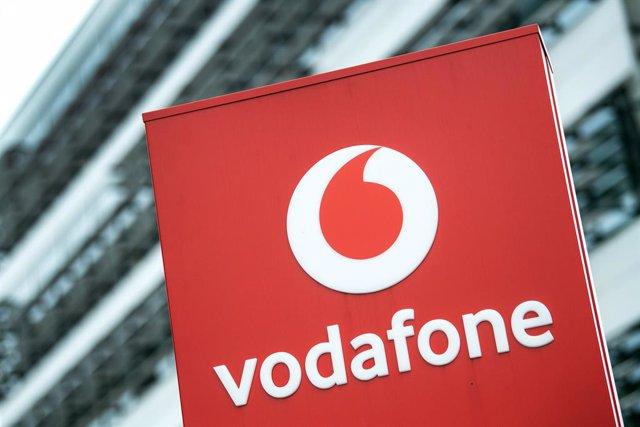 R.Unido.- Vodafone factura un 6,8% más en su tercer trimestre fiscal, hasta 11.7