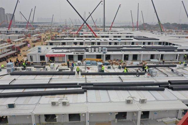 Trabajos de construcción del hospital de Lei Shen Shan en Wuhan