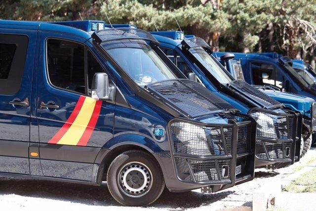 Diversos cotxes de la Policia Nacional en una foto d'arxiu.