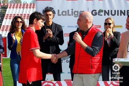 Telepizza contrata en una de sus tiendas de Sevilla a un jugador del Sevilla FC de la Liga Genuine de discapacitados