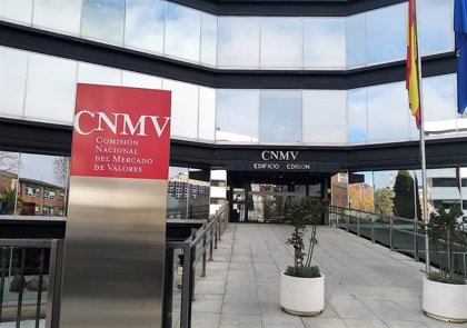 Oliver Wyman sugiere la posibilidad de que Albella (CNMV) prescinda de sus funciones ejecutivas