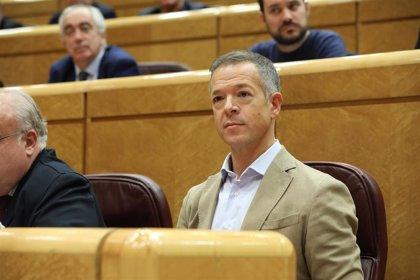 Gil (PSOE) asegura que la ley no permite dar a conocer la hoja de servicios de 'Billy el Niño'