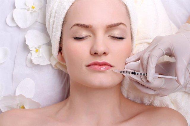 Experto recuerda que la medicina estética en el rostro ayuda a prevenir la apari