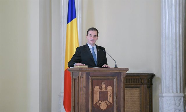 Rumanía.- El Parlamento rumano tumba el Gobierno de Ludovic Orban por la reforma