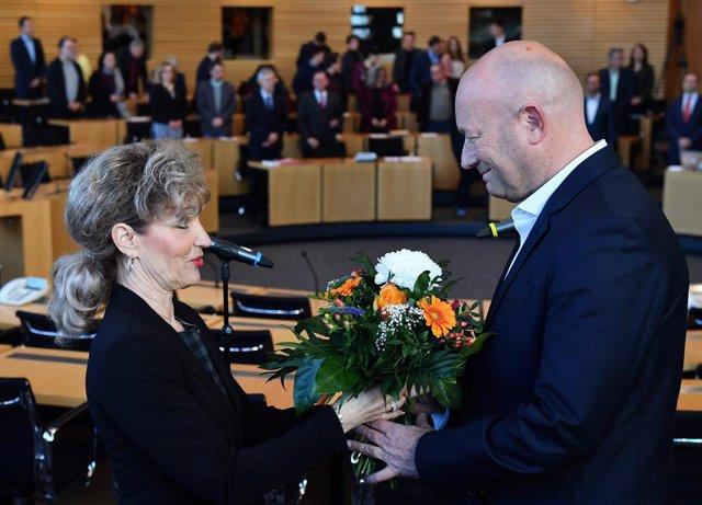 Alemania.- El candidato liberaldemócrata, elegido primer ministro de Turingia co