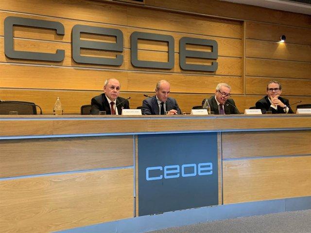 La FEMP, la CEOE y Aseja debaten sobre infraestructuras verdes.