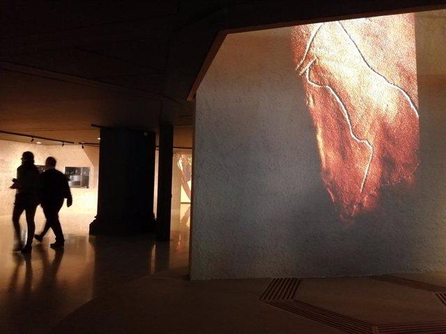 El Museu d'Arqueologia rememora els orígens de l'art en una exposició de 250 peces.