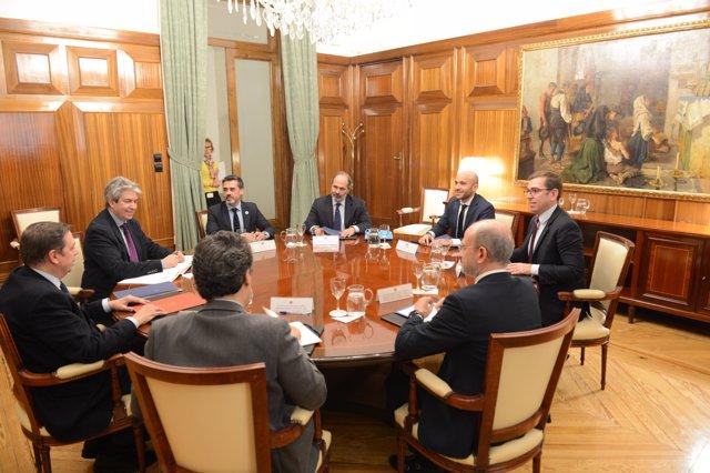 Planas inicia con Carrefour las reuniones con la distribución