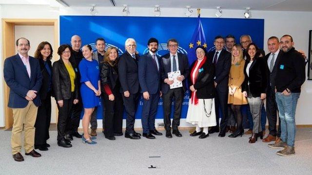 Reunió del president del Parlamento Europeu, David Sassoli, amb l'associació Barcelona Futur, en Bruselsa el 5 de febrer de 2020