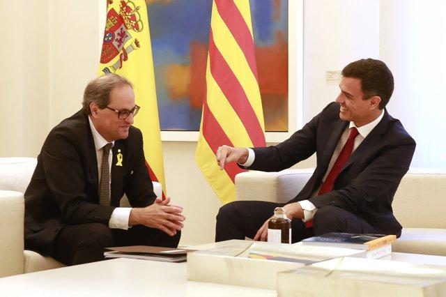 El presidente del Gobierno Pedro Sánchez recibe al presidente de la Generalitat Quim Torra en el palacio de La Moncloa