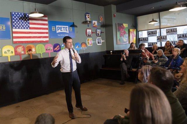 El aspirante a la nominación presidencial demócrata Pete Buttigieg en un acto electoral en New Hampshire