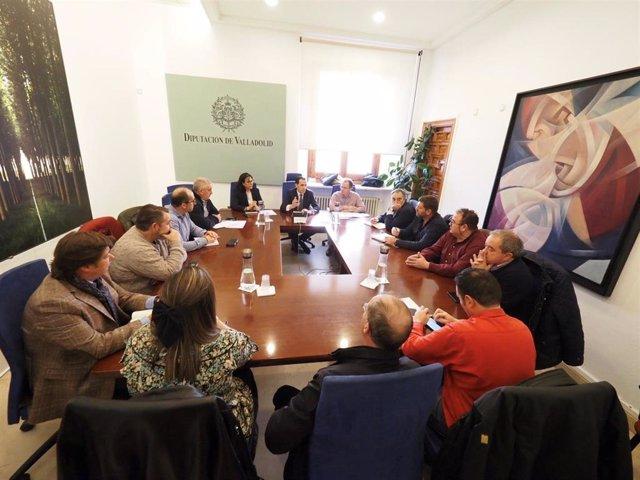 Imagen de la reunión entre Diputación y mancomunidades.
