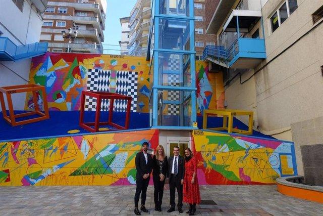 L'alcaldessa de Rubí, Ana María Martínez, i l'edil Moisés Rodríguez, amb l'alcalde de Vigo, Abel Caballero, i la presidenta de la Diputació de Pontevedra, Carmela Silva.