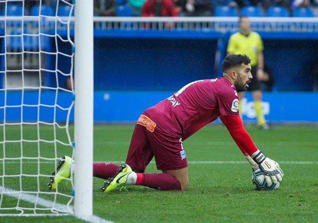 Fútbol/Primera.- (Previa) Alavés y Eibar viven un derbi en busca de alejarse del