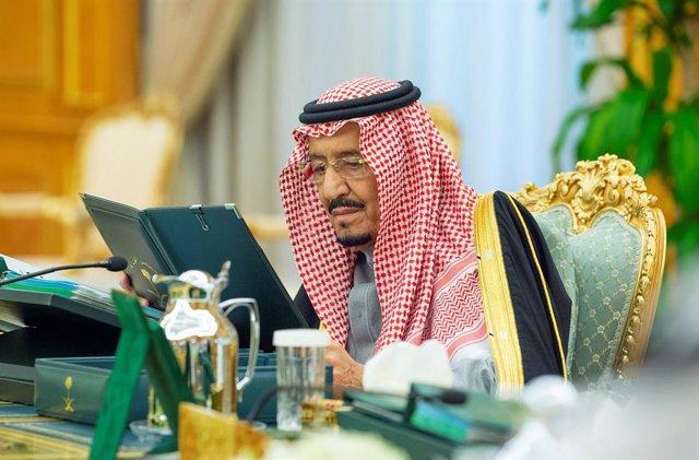 Coronavirus.- Arabia Saudí suspende los viajes a China a causa del brote del nue