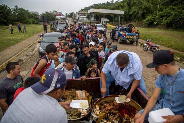 Caravana centroamericana a su paso por Guatemala