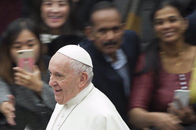 """El Papa defiende en un libro el celibato como """"gracia decisiva"""" de la Iglesia ca"""