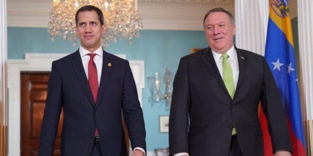 """El autoproclamado """"presidente encargado"""" de Venezuela, Juan Guaidó, y el secretario de Estado de Estados Unidos, Mike Pompeo"""