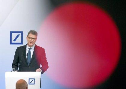 Deutsche Bank llega a máximos en Bolsa desde octubre de 2018 tras adquirir Capital Group un 3,1% del banco