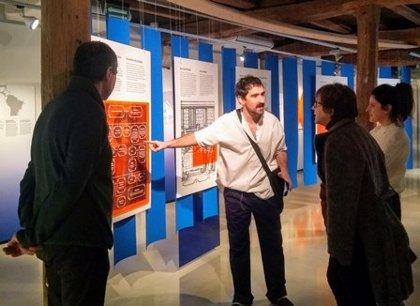 El Euskal Itsas Museoa de San Sebastián viaja desde este sábado en el tiempo con sus visitas teatralizadas