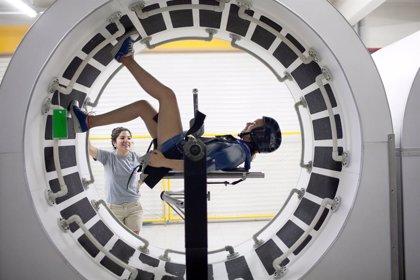 El centro cultural Aiete de San Sebastián acoge, desde este viernes, una exposición sobre mujeres que miran al espacio