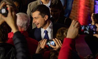 El presidente del Comité Nacional Demócrata pide que se revisen los resultados de los caucus de Iowa