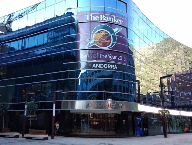 La seu central del Grup MoraBanc, a l'avinguda Meritxell d'Andorra la Vella