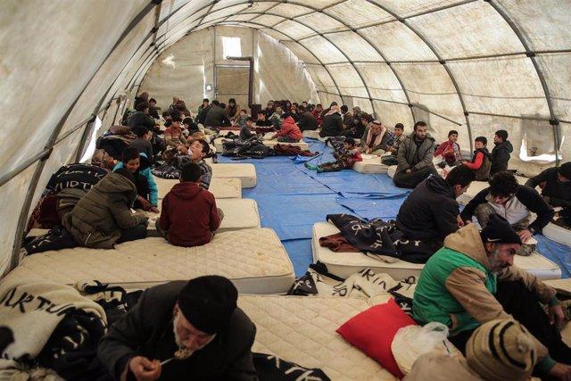 Campo de desplazados internos sirios