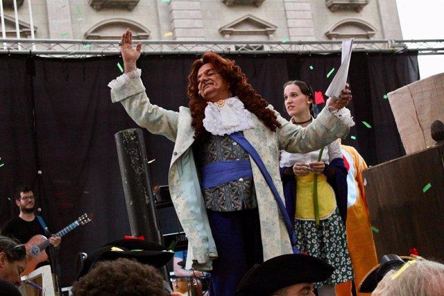 L'actor Toni Albà en el pregó alternatiu de les festes de la Mercè 2018.