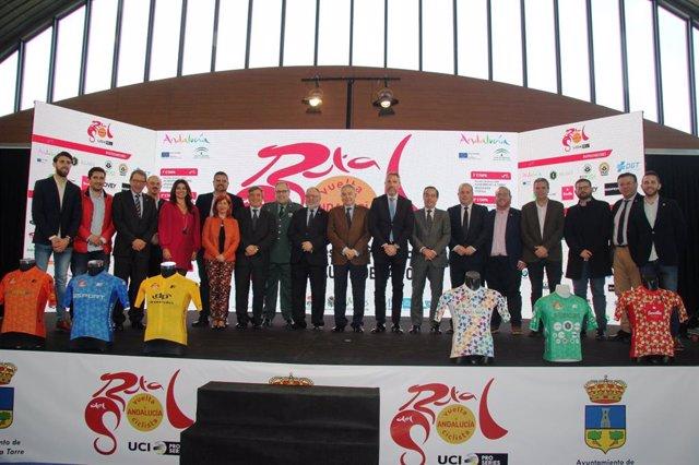 El secretario general para el Turismo, Manuel Muñoz, en la presentación de la Vuelta Ciclista Andalucía