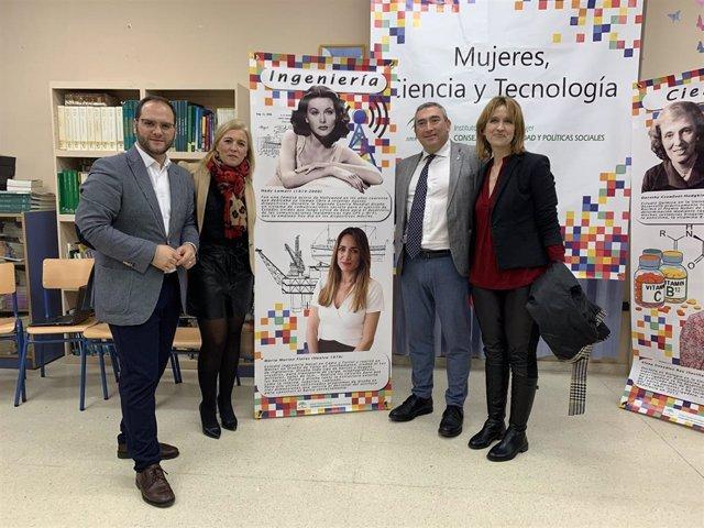 Presentación del proyecto 'Mujeres, Ciencia y Tecnología'  en el CEIP Tierno Galván de Castellar de la Frontera
