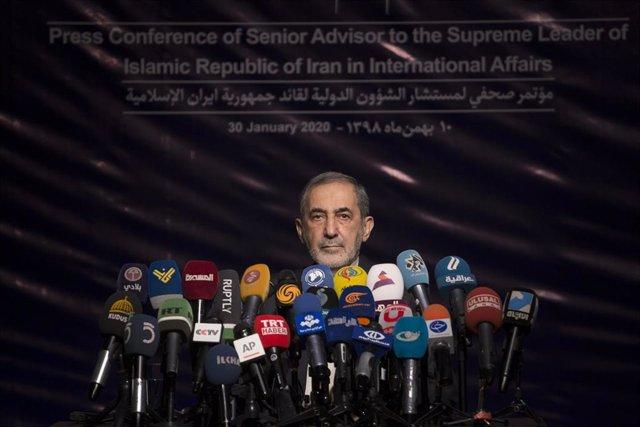 Alí Akbar Velayati, asesor del líder supremo de Irán, el ayatolá Alí Jamenei