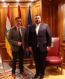 El presidente del Parlamento recibe al consúl de Rumania
