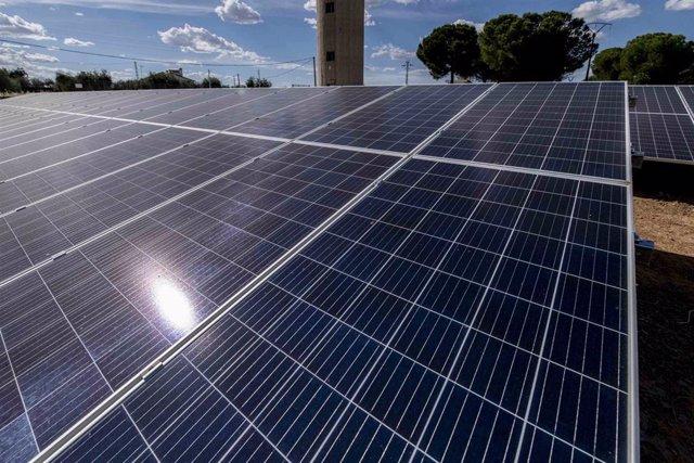 [Grupoeconomiacat] Np Enertis Asesora A Sabadell En La Financiación De 4 Plantas Fv De Solaria