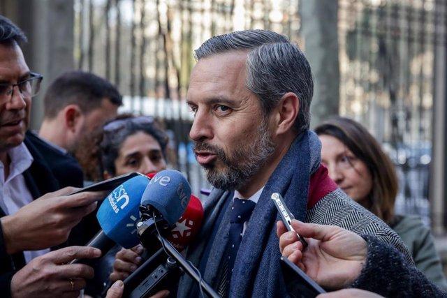 (I-D) El consejero de Hacienda, Industria y Energía de la Junta de Andalucía, Juan Bravo, atiende a los medios de comunicación tras el Consejo de Política Fiscal y Financiera (CPFF) en el Ministerio de Hacienda, en Madrid (España) a 7 de febrero de 2020.