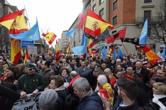 Concentración en Pamplona en contra de la transferencia a Navarra de la competencia de tráfico