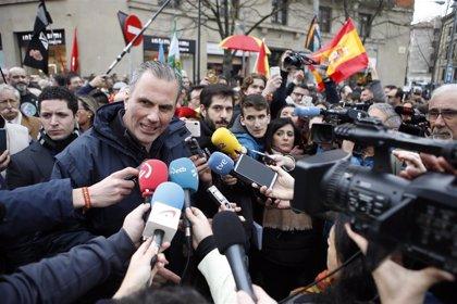 """Ortega Smith dice que la transferencia de tráfico a Navarra es """"una nueva cesión a los proetarras"""""""
