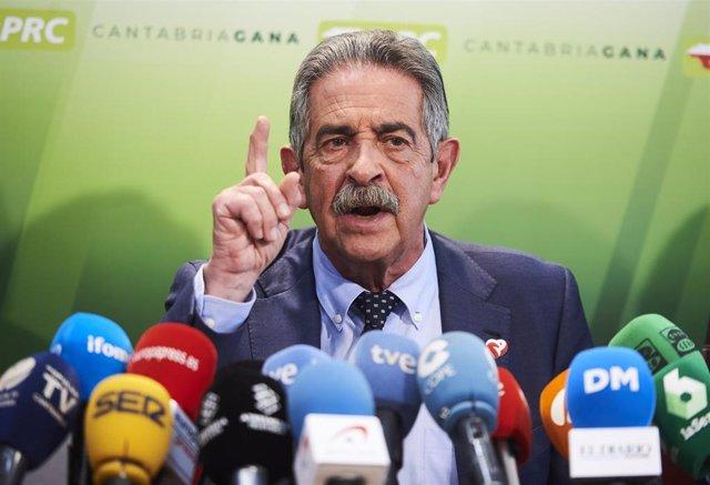 El secretario general del PRC, Miguel Ángel Revilla, en rueda de prensa para informar sobre la situación del partido tras el 'NO' a la investidura de Sánchez el pasado 7 de enero, en Santander /Cantabria (España), a 9 de enero de 2020.