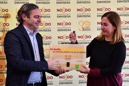 Ayuntamiento de Sevilla cede un piso a la asociación 'Humanos con Recursos' para atender a personas sin hogar