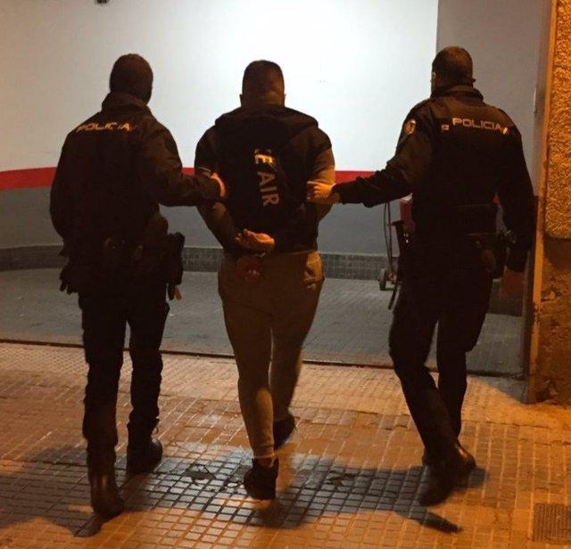 Hombre detenido por un robo con fuerza en una casa de Es Rafal