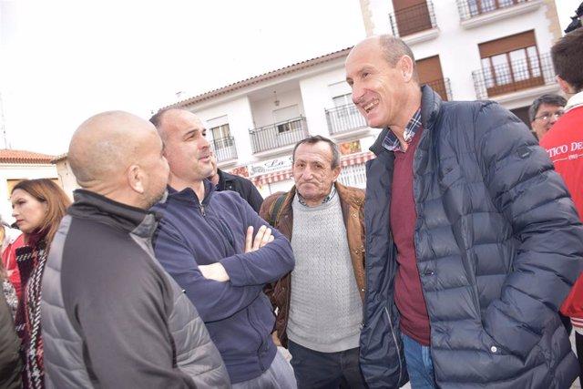 El secretario general del PSOE de Cuenca y diputado nacional por esta provincia, Luis Carlos Sahuquillo, en El Provencio.