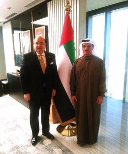 El primer teniente de alcalde y concejal de Presidencia de Granada, Sebastián Pérez, ha propuesto al ministro de Economía de Dubái, Sultan Bin Saeed Al Mansoori