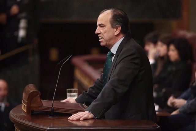 El diputado de Navarra Suma en el Congreso, Carlos García Adanero, interviene en la segunda sesión de votación para la investidura del candidato socialista a la Presidencia del Gobierno en la XIV Legislatura, en Madrid (España), a 7 de enero de 2020.