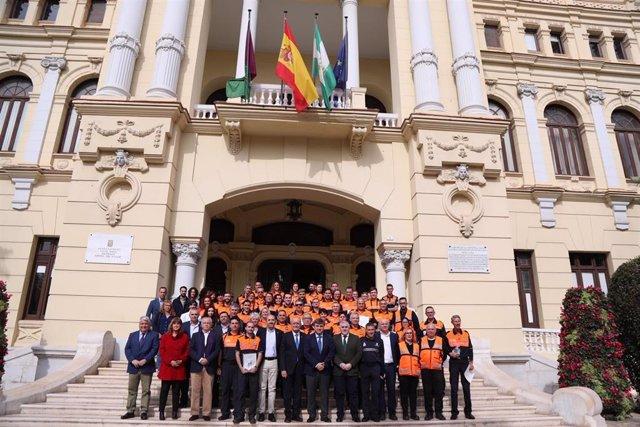 El Ayuntamiento De Málaga Informa (Con 6 Fotografías): El Ayuntamiento Reconoce La Labor De Los Voluntarios De Protección Civil