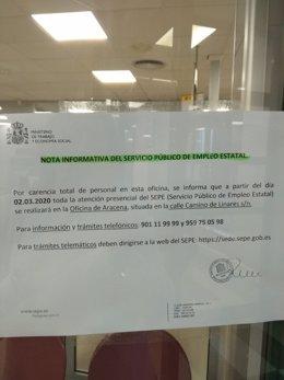 Imagen del cartel que anuncie el cierre de la oficina de Cortegana (Huelva) a partir del 2 de marzo.