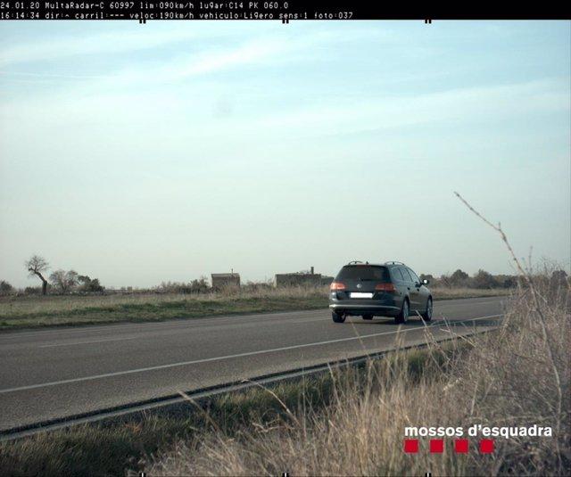 Cotxe circulant a 190 quilòmetres per hora la C-14 - Arxiu
