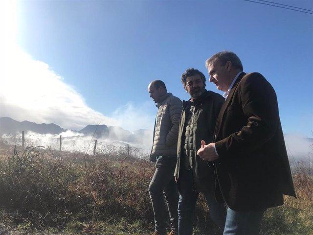 El consejero de Desarrollo Rural, Alejandro Calvo, visita Parres